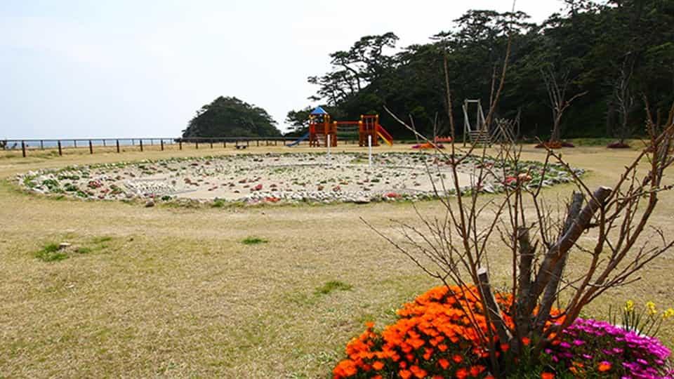 式根島 小の口公園