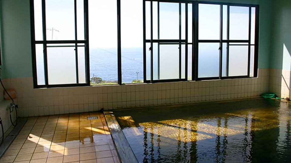 八丈島 中之郷温泉 やすらぎの湯
