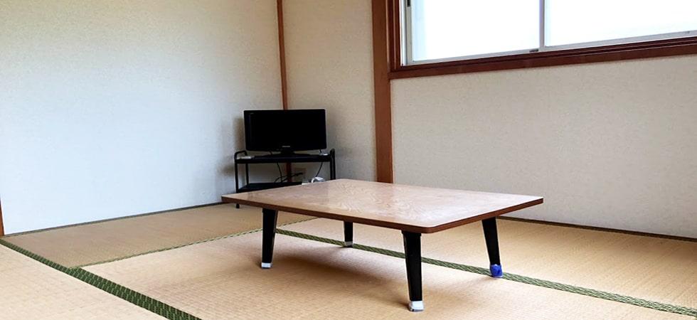 この宿泊施設の客室です。