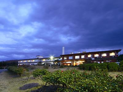 【熱海発着】金目鯛と伊勢海老の舟盛り&べっこうずしプラン(大島温泉ホテルご宿泊)