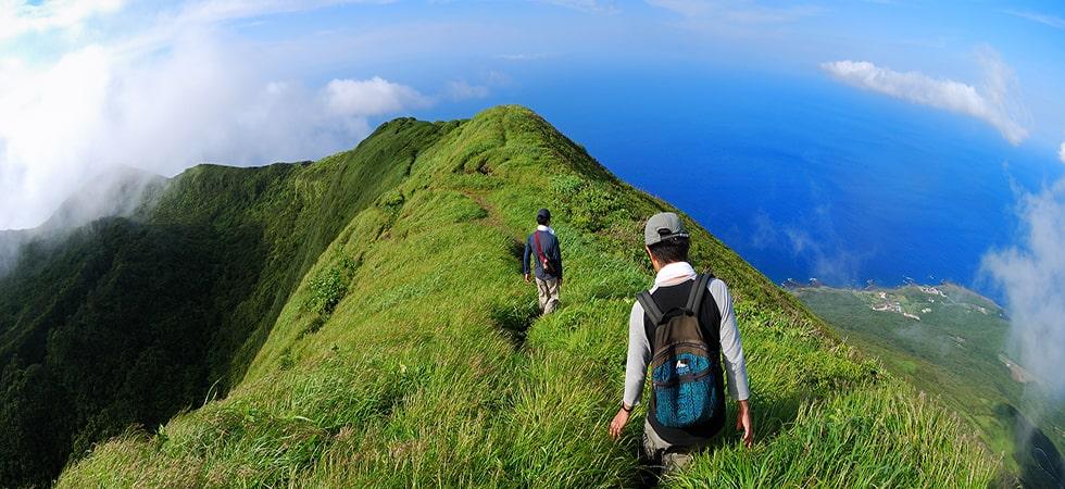絶景の八丈富士。八丈富士入口から1280段の階段を登ると360度大絶景パノラマビュー。