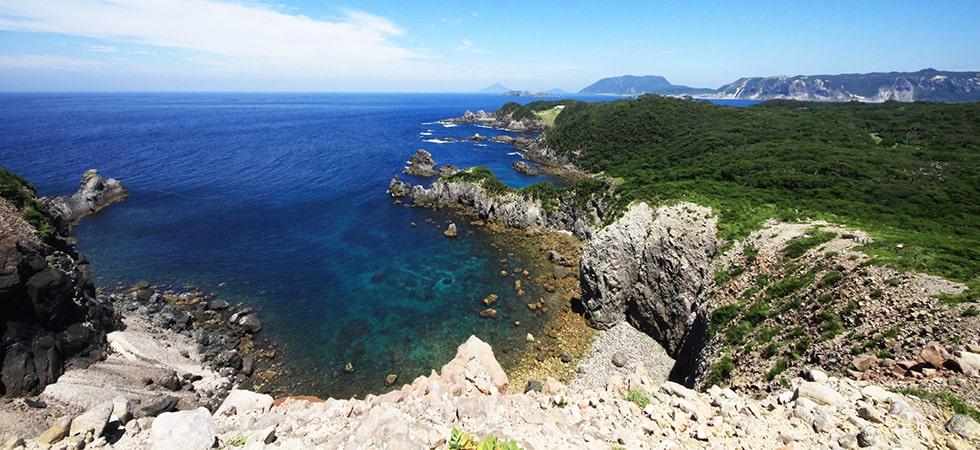 神引山展望台は新東京百景にも選ばれている式根島を代表する絶景ポイントです。