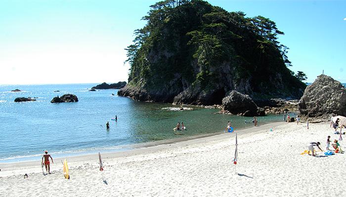 【式根島】石白川海水浴場