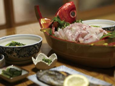 【神津島】 漁師の宿丈栄丸 その日にとれた魚を、美味しく味わっていただくことが出来ます。丈栄丸の自慢の一品です。
