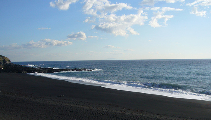 【伊豆大島】砂の浜