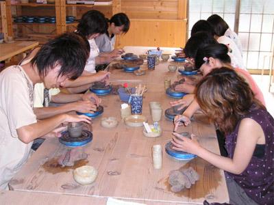 陶芸大島焼き粘土の手ひねり体験