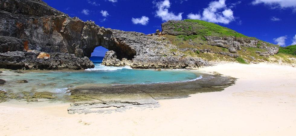 小笠原諸島は日本で4つしかない自然遺産の1つ。遠い、遠い太平洋に浮かぶ日本最後の楽園です。