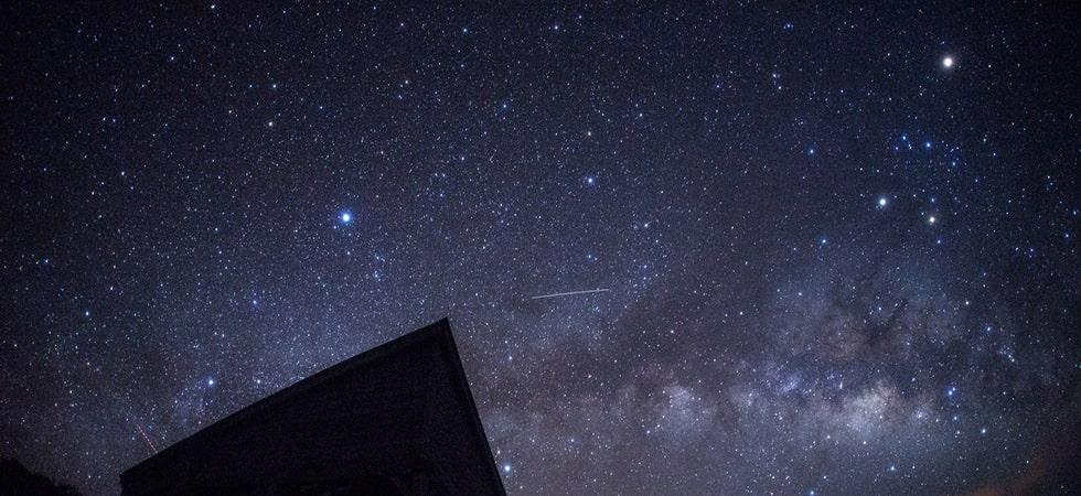 小笠原は2011年に星空日本一に選出されました。天の川が輝き、あなたの一生の思い出に刻み込みます。