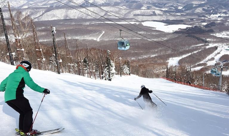 安比 高原 スキー 場 積雪